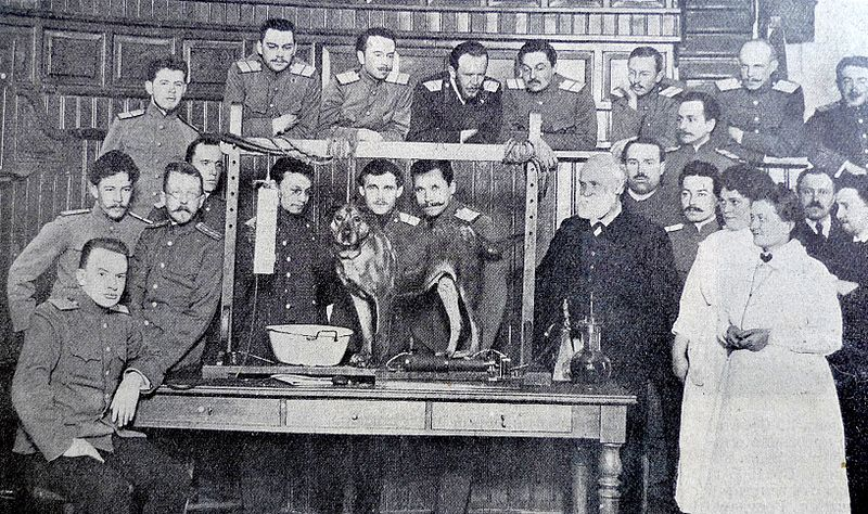 Ivan Pavlov and his team of conditioning science researchers. By Karl Bulla [Public domain], via Wikimedia Commons