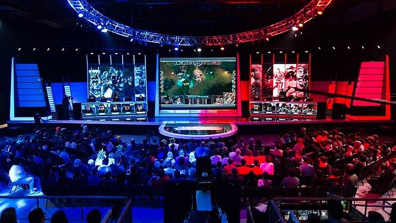 League of Legends North American LCS. By Gabriel.gagne (Own work) [CC BY-SA 4.0], via Wikimedia Commons